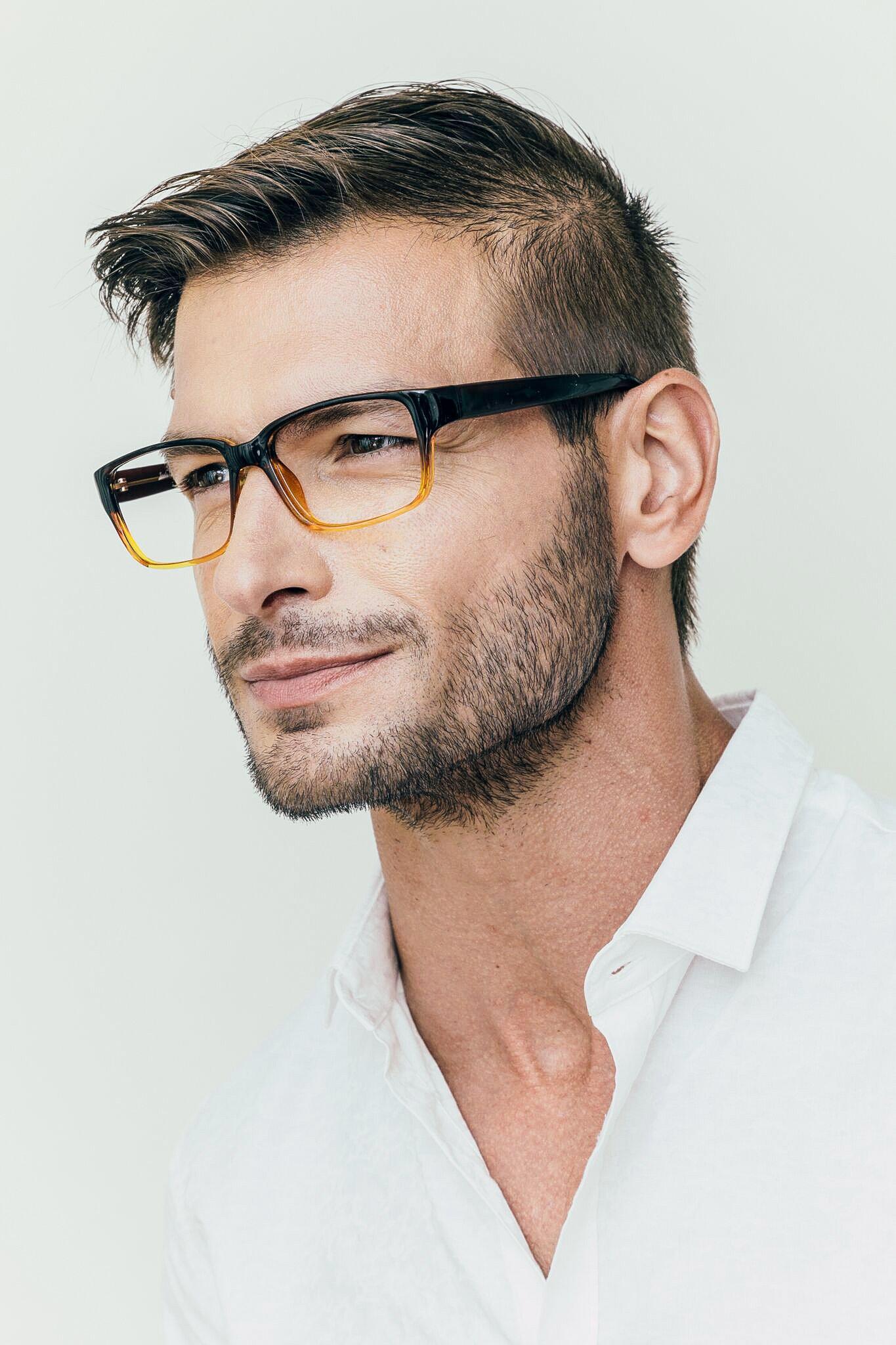 Second model wearing Oakdale frames