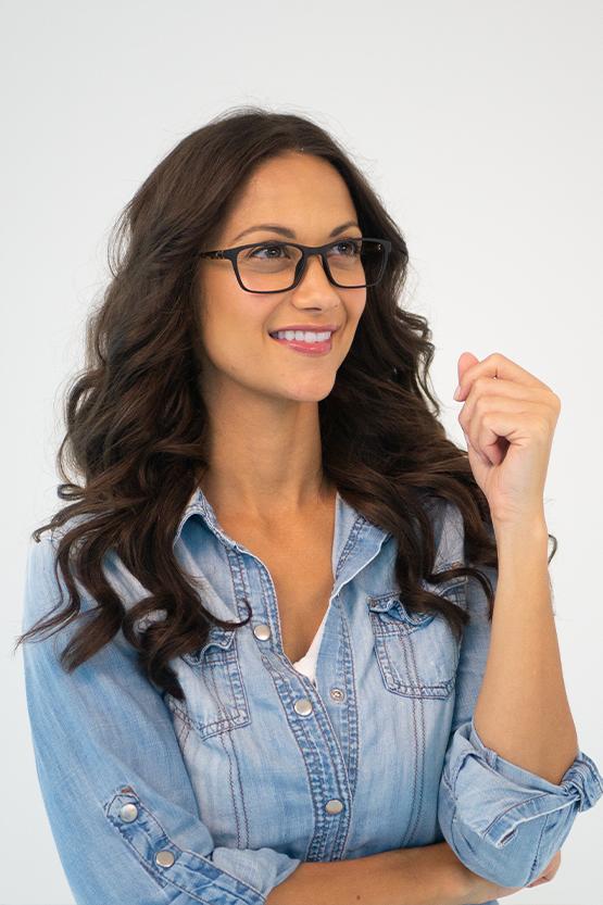Second model wearing DAISY frames